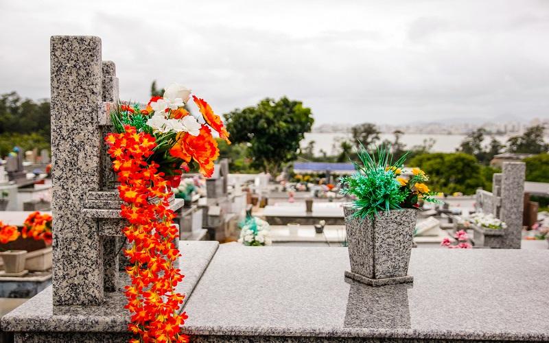 Cemitério Municipal espera 60 mil visitas no Dia de Finados
